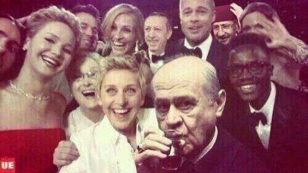 devlet bahceli selfie pozu 448x252 - Ellen DeGeneres'ın Twitter Rekoru