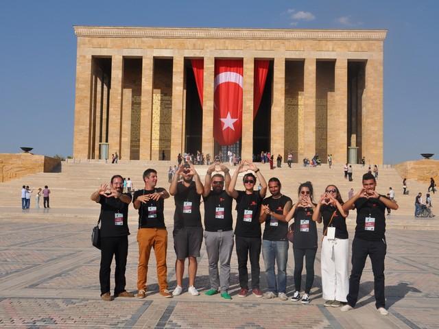 ataturk sevgisi rekor kirdi 19 640x480 - Atatürk Sevgisi Rekor Kırdı