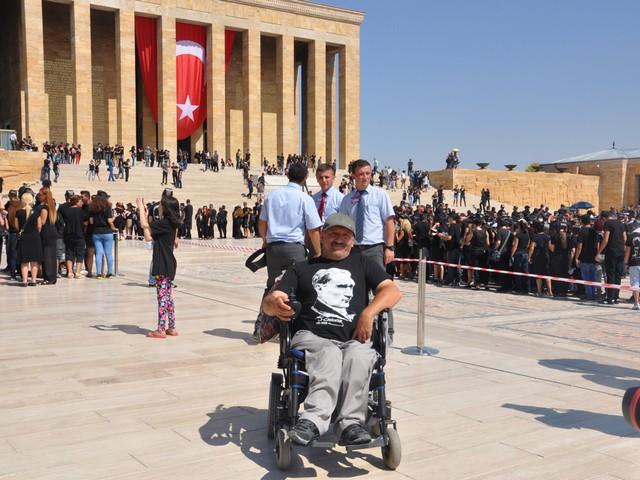 ataturk sevgisi rekor kirdi 21 640x480 - Atatürk Sevgisi Rekor Kırdı