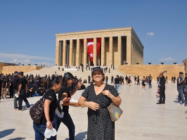 ataturk sevgisi rekor kirdi 23 640x480 - Atatürk Sevgisi Rekor Kırdı