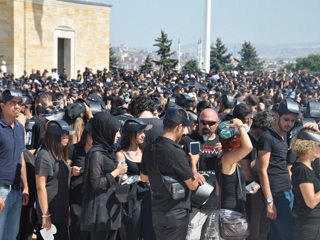 ataturk sevgisi rekor kirdi 25 640x480 - Atatürk Sevgisi Rekor Kırdı