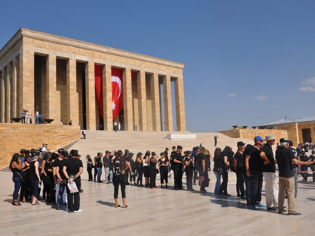 ataturk sevgisi rekor kirdi 6 640x480 - Atatürk Sevgisi Rekor Kırdı
