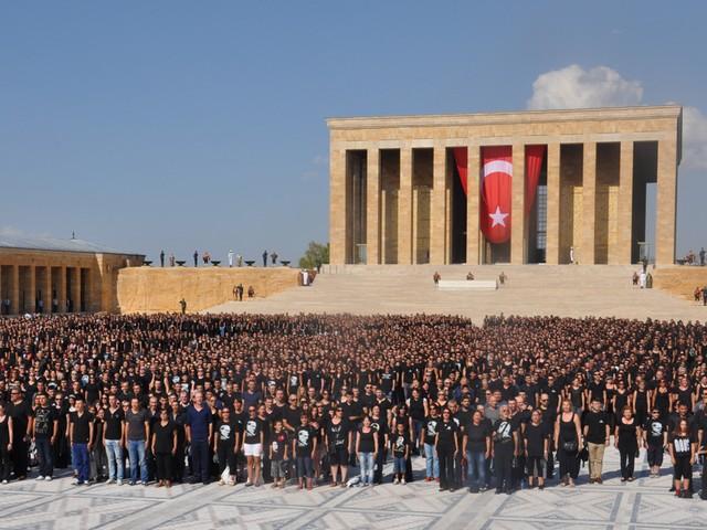 ataturk sevgisi rekor kirdi 9 640x480 - Atatürk Sevgisi Rekor Kırdı