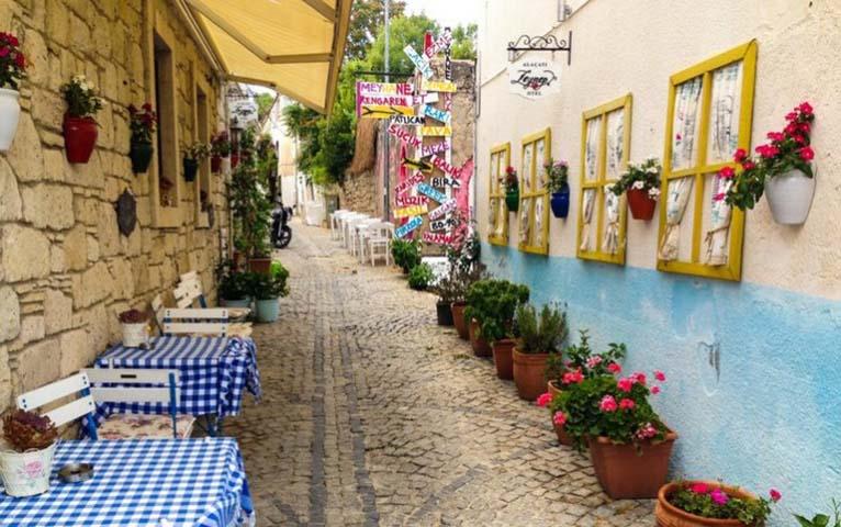 alacati - İzmir Çevresinde Arabayla Keşfedebileceğiniz 5 Yer