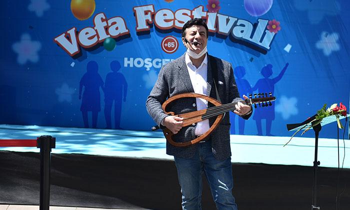 """Coşkun Sabah """"Tuzla Belediyesi Vefa Festivali''nde Sahne Aldı"""