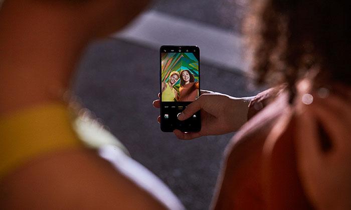 Dünyanın İlk 44MP Ön Kamerası İle Selfie Zamanı